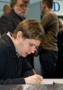Foto Wikipedia: Daniel Kehlmann op de Leipziger Buchmesse (2009)
