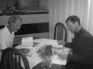 Ad van Uchelen (l) en Mike Hirschler (r) begeleiden de groep van Eco Tourist Services op Mallorca