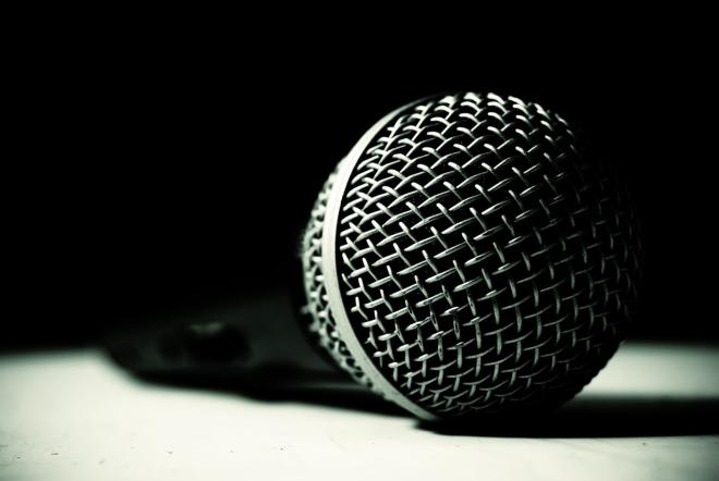 microphone-1308010-1278x855