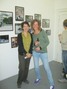 Arinana Mirza (l) und Marga van den Meydenberg
