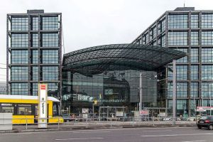 Berlin Hauptbahnhof (foto: Wikipedia)