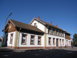 Het station van Haltingen, het dorp waar het opvangcentrum voor vluchtelingen staat.
