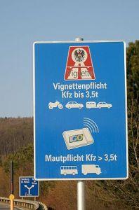 Verkeersbord tolheffing in Oostenrijk